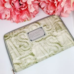 MARC BY MARC JACOBS Zip Around Clutch Wall…